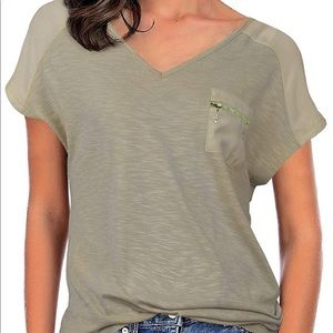Women's pocket zip tee